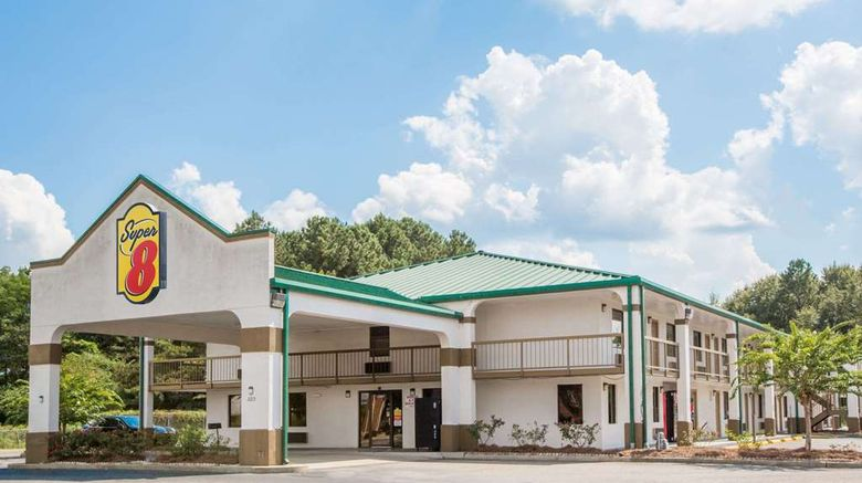 """Super 8 Dothan Exterior. Images powered by <a href=""""http://web.iceportal.com"""" target=""""_blank"""" rel=""""noopener"""">Ice Portal</a>."""