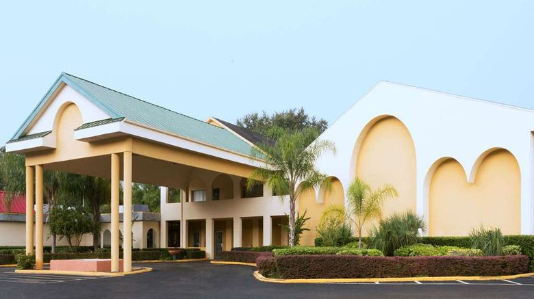 """Days Inn Crystal River Exterior. Images powered by <a href=""""http://web.iceportal.com"""" target=""""_blank"""" rel=""""noopener"""">Ice Portal</a>."""
