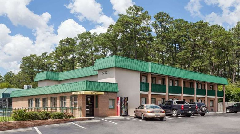 """Super 8 Columbia/Ft. Jackson Exterior. Images powered by <a href=""""http://web.iceportal.com"""" target=""""_blank"""" rel=""""noopener"""">Ice Portal</a>."""