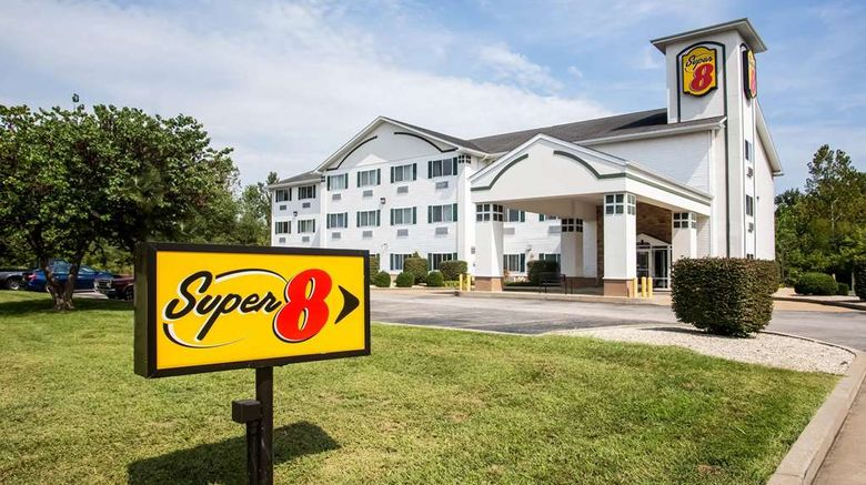 """Super 8 Union Exterior. Images powered by <a href=""""http://web.iceportal.com"""" target=""""_blank"""" rel=""""noopener"""">Ice Portal</a>."""