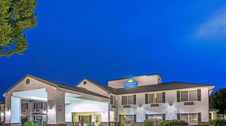 """Days Inn  and  Suites Gresham Exterior. Images powered by <a href=""""http://web.iceportal.com"""" target=""""_blank"""" rel=""""noopener"""">Ice Portal</a>."""