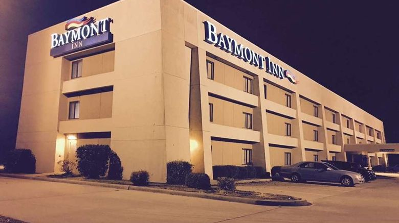 """Baymont Inn-Paducah Exterior. Images powered by <a href=""""http://web.iceportal.com"""" target=""""_blank"""" rel=""""noopener"""">Ice Portal</a>."""