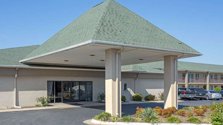 """Super 8 Dunn Exterior. Images powered by <a href=""""http://web.iceportal.com"""" target=""""_blank"""" rel=""""noopener"""">Ice Portal</a>."""