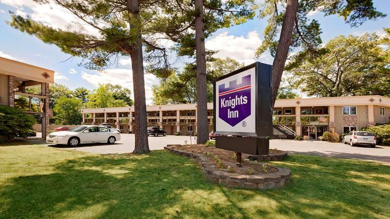 """Knights Inn Traverse City Exterior. Images powered by <a href=""""http://web.iceportal.com"""" target=""""_blank"""" rel=""""noopener"""">Ice Portal</a>."""