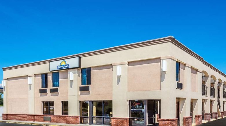 """Days Inn Slidell Exterior. Images powered by <a href=""""http://web.iceportal.com"""" target=""""_blank"""" rel=""""noopener"""">Ice Portal</a>."""