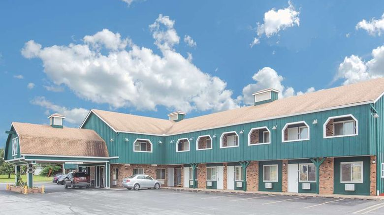 "Days Inn Davenport Exterior. Images powered by <a href=""http://web.iceportal.com"" target=""_blank"" rel=""noopener"">Ice Portal</a>."