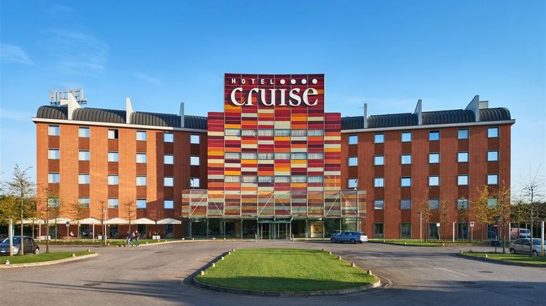 "Hotel Cruise Exterior. Images powered by <a href=""http://web.iceportal.com"" target=""_blank"" rel=""noopener"">Ice Portal</a>."