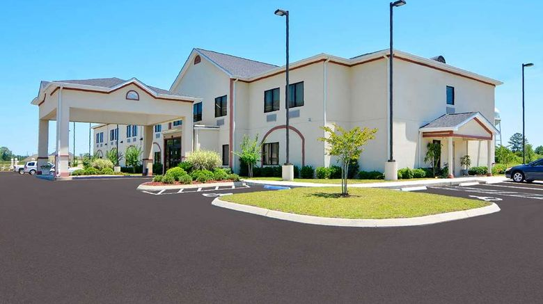 """Best Western Opp Inn Exterior. Images powered by <a href=""""http://web.iceportal.com"""" target=""""_blank"""" rel=""""noopener"""">Ice Portal</a>."""