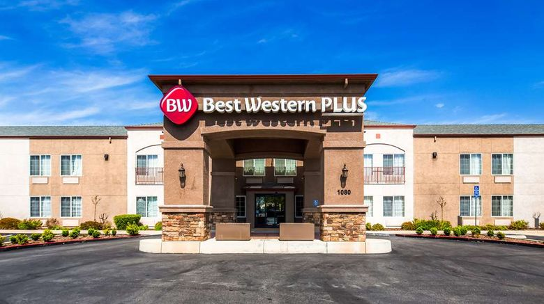 """Best Western Plus Twin View Inn  and  Suites Exterior. Images powered by <a href=""""http://web.iceportal.com"""" target=""""_blank"""" rel=""""noopener"""">Ice Portal</a>."""