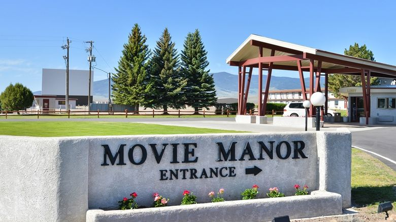 """Best Western Movie Manor Exterior. Images powered by <a href=""""http://web.iceportal.com"""" target=""""_blank"""" rel=""""noopener"""">Ice Portal</a>."""