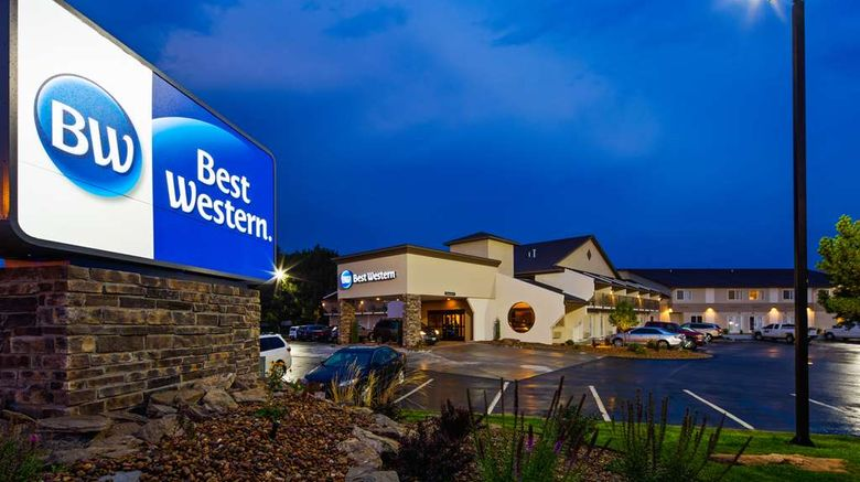 """Best Western Sundowner Exterior. Images powered by <a href=""""http://web.iceportal.com"""" target=""""_blank"""" rel=""""noopener"""">Ice Portal</a>."""