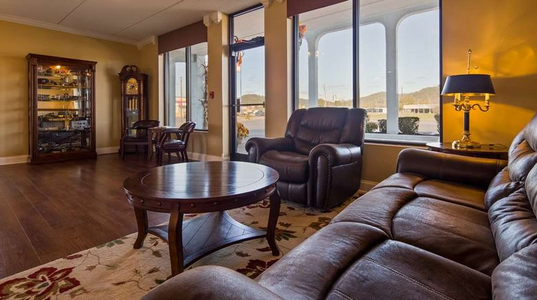"""Best Western Wilderness Trail Inn Lobby. Images powered by <a href=""""http://web.iceportal.com"""" target=""""_blank"""" rel=""""noopener"""">Ice Portal</a>."""