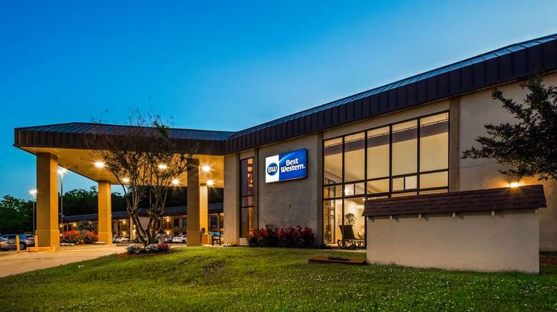 """Best Western Vicksburg Exterior. Images powered by <a href=""""http://web.iceportal.com"""" target=""""_blank"""" rel=""""noopener"""">Ice Portal</a>."""