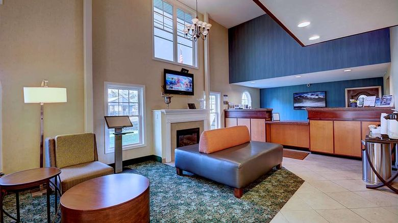 """Best Western Plus The Inn at Hampton Lobby. Images powered by <a href=""""http://web.iceportal.com"""" target=""""_blank"""" rel=""""noopener"""">Ice Portal</a>."""