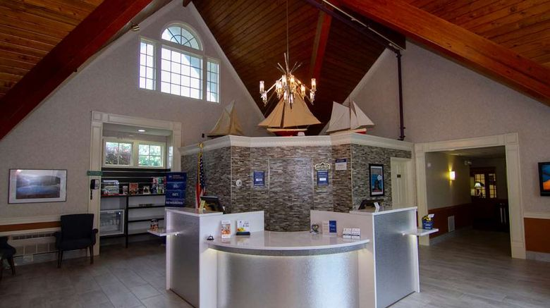 """Best Western Plus Plattsburgh Lobby. Images powered by <a href=""""http://web.iceportal.com"""" target=""""_blank"""" rel=""""noopener"""">Ice Portal</a>."""