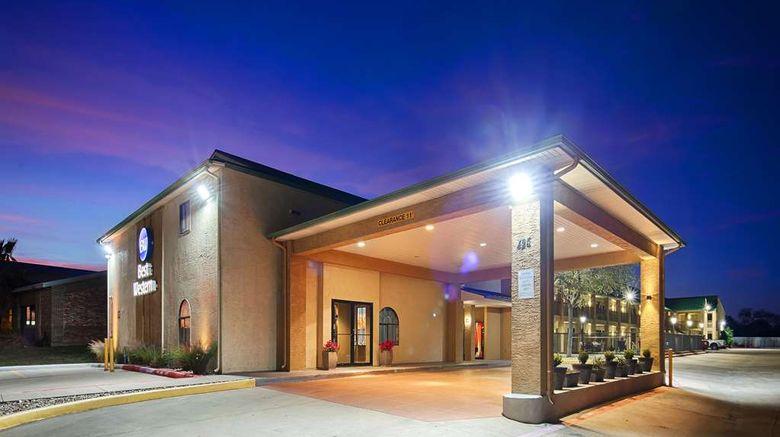 """Best Western Cedar Inn Exterior. Images powered by <a href=""""http://web.iceportal.com"""" target=""""_blank"""" rel=""""noopener"""">Ice Portal</a>."""