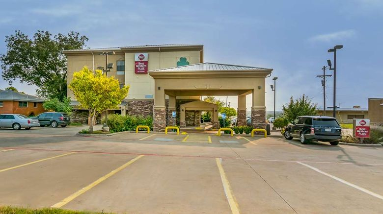"Best Western Plus Shamrock Inn  and  Suites Exterior. Images powered by <a href=""http://web.iceportal.com"" target=""_blank"" rel=""noopener"">Ice Portal</a>."