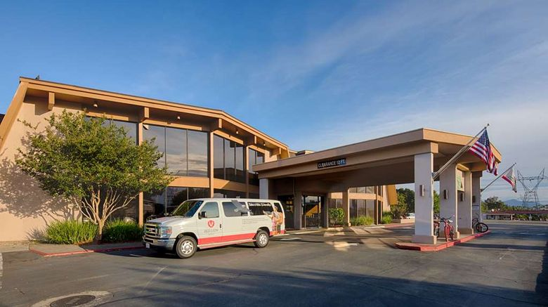 """Red Lion Hotel Redding Exterior. Images powered by <a href=""""http://web.iceportal.com"""" target=""""_blank"""" rel=""""noopener"""">Ice Portal</a>."""