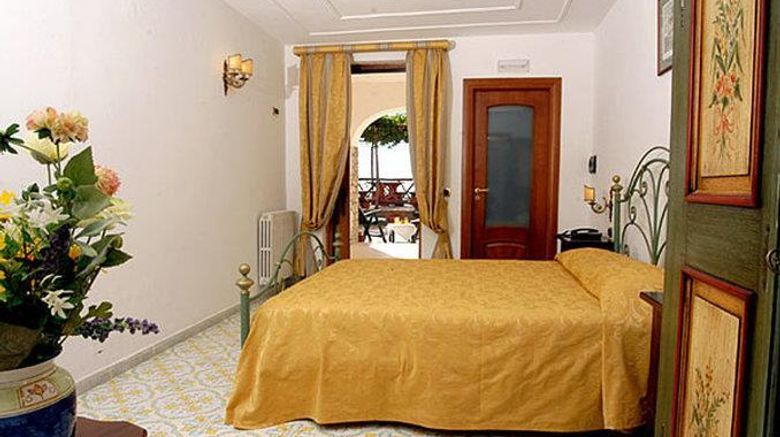 """Hotel Il Girasole Room. Images powered by <a href=""""http://web.iceportal.com"""" target=""""_blank"""" rel=""""noopener"""">Ice Portal</a>."""