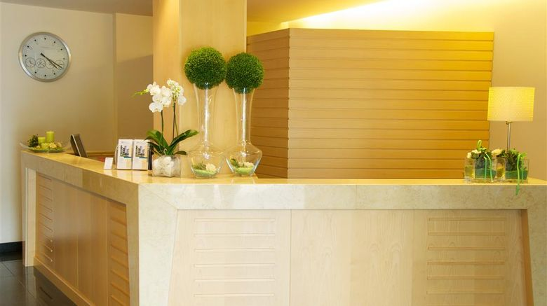 """Executive Hotel Lobby. Images powered by <a href=""""http://web.iceportal.com"""" target=""""_blank"""" rel=""""noopener"""">Ice Portal</a>."""