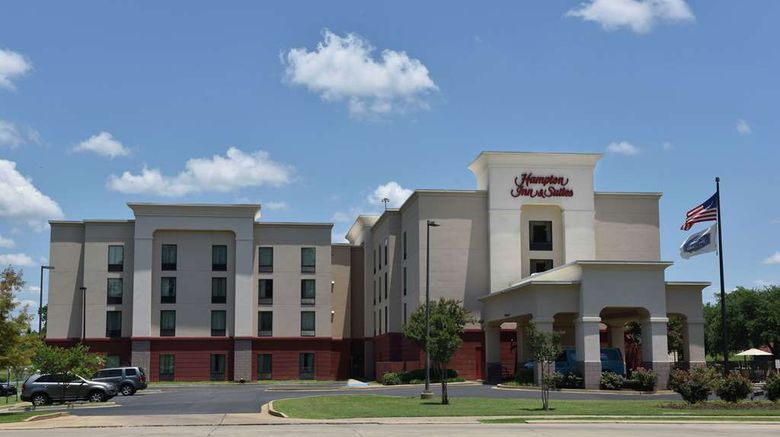 """Hampton Inn  and  Suites Exterior. Images powered by <a href=""""http://web.iceportal.com"""" target=""""_blank"""" rel=""""noopener"""">Ice Portal</a>."""