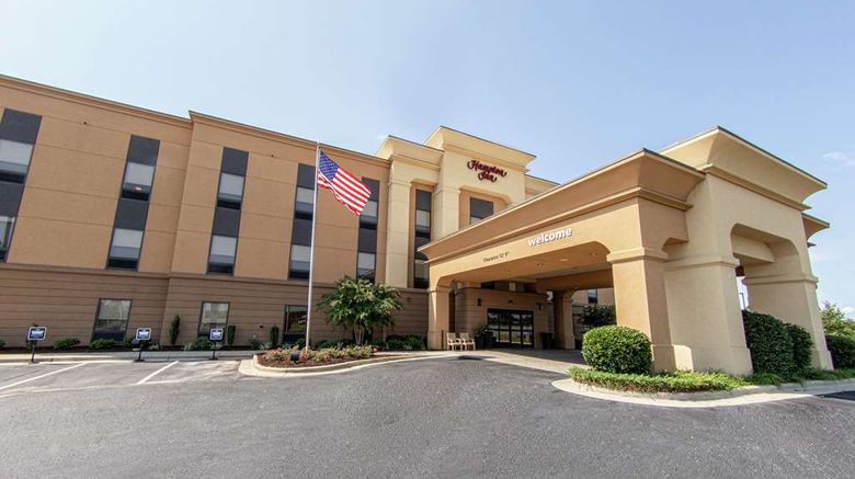 """Hampton Inn Winfield Exterior. Images powered by <a href=""""http://web.iceportal.com"""" target=""""_blank"""" rel=""""noopener"""">Ice Portal</a>."""