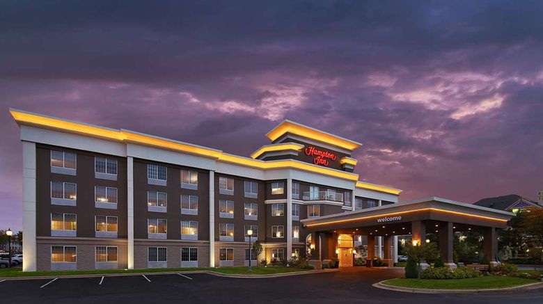 """Hampton Inn Holland Exterior. Images powered by <a href=""""http://web.iceportal.com"""" target=""""_blank"""" rel=""""noopener"""">Ice Portal</a>."""