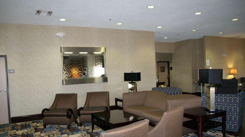 "Hampton Inn Olathe Lobby. Images powered by <a href=""http://web.iceportal.com"" target=""_blank"" rel=""noopener"">Ice Portal</a>."