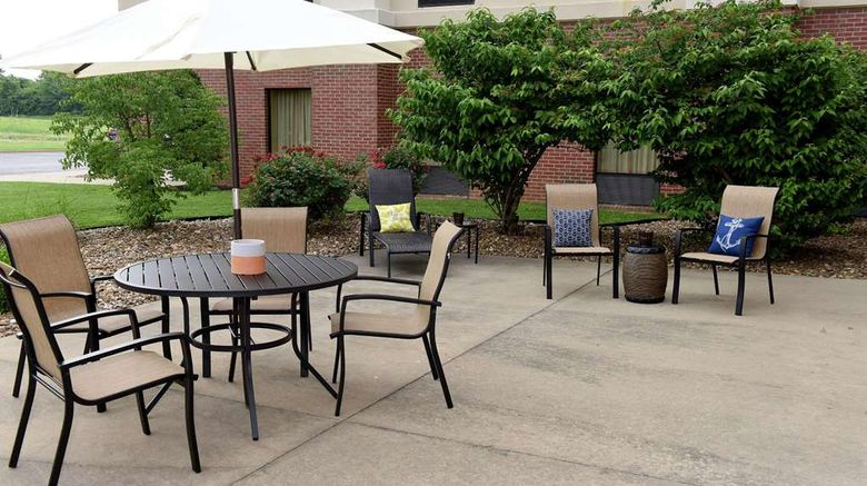 """Hampton Inn  and  Suites Madisonville Exterior. Images powered by <a href=""""http://web.iceportal.com"""" target=""""_blank"""" rel=""""noopener"""">Ice Portal</a>."""