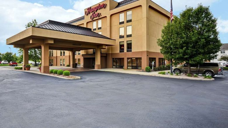 "Hampton Inn Louisville Arpt Exterior. Images powered by <a href=""http://web.iceportal.com"" target=""_blank"" rel=""noopener"">Ice Portal</a>."