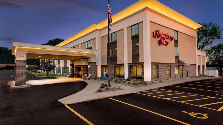 """Hampton Inn Rochester Exterior. Images powered by <a href=""""http://web.iceportal.com"""" target=""""_blank"""" rel=""""noopener"""">Ice Portal</a>."""