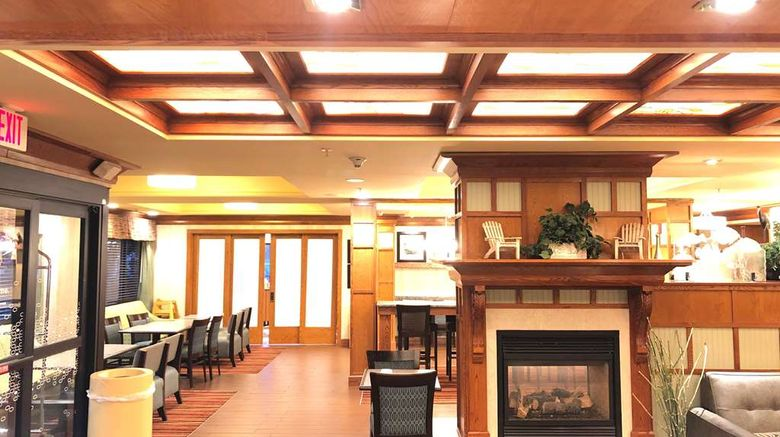 """Hampton Inn Seaford Lobby. Images powered by <a href=""""http://web.iceportal.com"""" target=""""_blank"""" rel=""""noopener"""">Ice Portal</a>."""