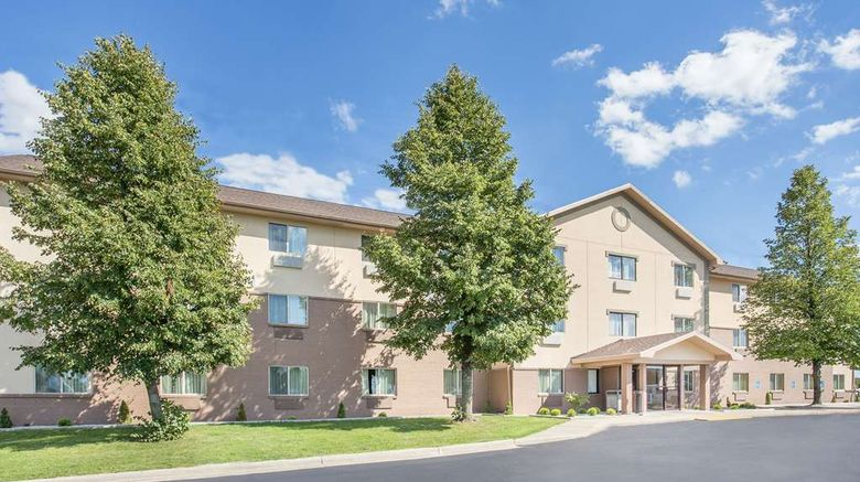 """Baymont Inn  and  Suites Holland Exterior. Images powered by <a href=""""http://web.iceportal.com"""" target=""""_blank"""" rel=""""noopener"""">Ice Portal</a>."""