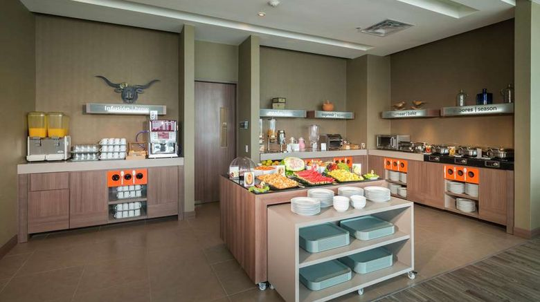 """<b>Hampton by Hilton, Valledupar Restaurant</b>. Images powered by <a href=""""https://iceportal.shijigroup.com/"""" title=""""IcePortal"""" target=""""_blank"""">IcePortal</a>."""