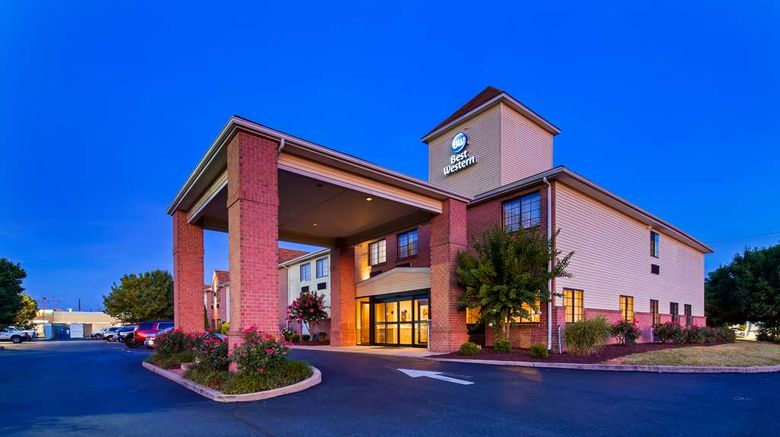 """Best Western Denton Inn Exterior. Images powered by <a href=""""http://web.iceportal.com"""" target=""""_blank"""" rel=""""noopener"""">Ice Portal</a>."""