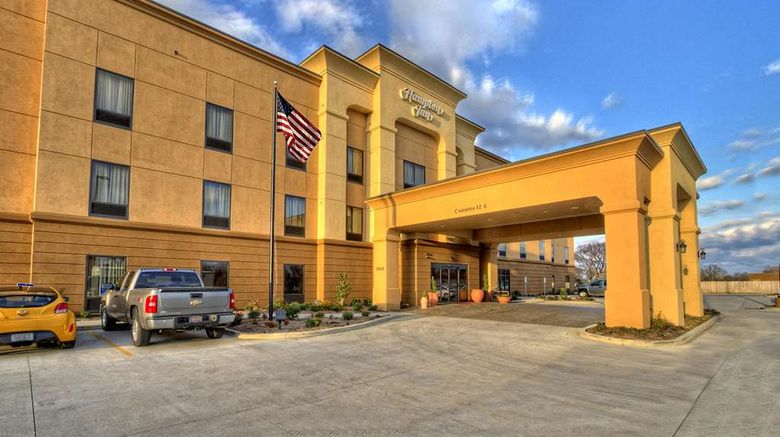"""Hampton Inn Clarksdale Exterior. Images powered by <a href=""""http://web.iceportal.com"""" target=""""_blank"""" rel=""""noopener"""">Ice Portal</a>."""