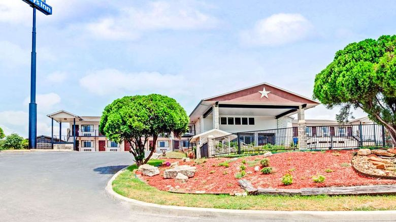 """Days Inn Boerne Exterior. Images powered by <a href=""""http://web.iceportal.com"""" target=""""_blank"""" rel=""""noopener"""">Ice Portal</a>."""