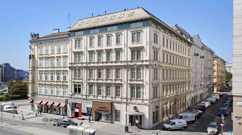 """Livinghotel an der Oper Exterior. Images powered by <a href=""""http://web.iceportal.com"""" target=""""_blank"""" rel=""""noopener"""">Ice Portal</a>."""