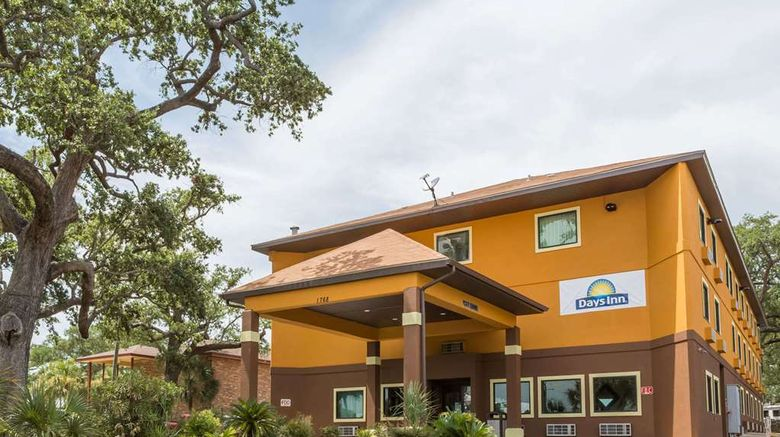 """Days Inn Biloxi Beach Exterior. Images powered by <a href=""""http://web.iceportal.com"""" target=""""_blank"""" rel=""""noopener"""">Ice Portal</a>."""