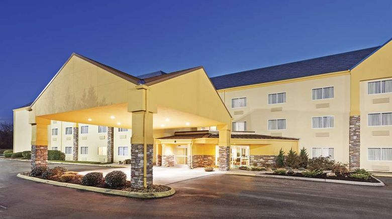 """La Quinta Inn  and  Stes Knoxville Airport Exterior. Images powered by <a href=""""http://web.iceportal.com"""" target=""""_blank"""" rel=""""noopener"""">Ice Portal</a>."""