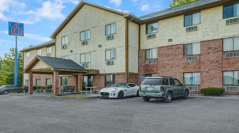 """Motel 6 Morehead Exterior. Images powered by <a href=""""http://web.iceportal.com"""" target=""""_blank"""" rel=""""noopener"""">Ice Portal</a>."""