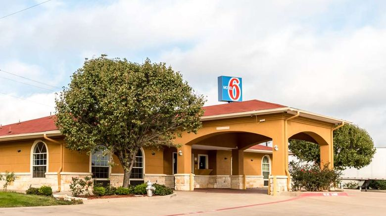 """Motel 6 Alvarado Exterior. Images powered by <a href=""""http://web.iceportal.com"""" target=""""_blank"""" rel=""""noopener"""">Ice Portal</a>."""