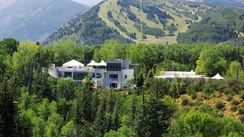 """Aspen Meadows Resort Exterior. Images powered by <a href=""""http://web.iceportal.com"""" target=""""_blank"""" rel=""""noopener"""">Ice Portal</a>."""