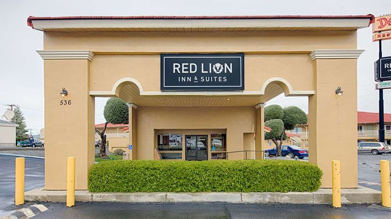 """Red Lion Inn  and  Suites Redding Exterior. Images powered by <a href=""""http://web.iceportal.com"""" target=""""_blank"""" rel=""""noopener"""">Ice Portal</a>."""