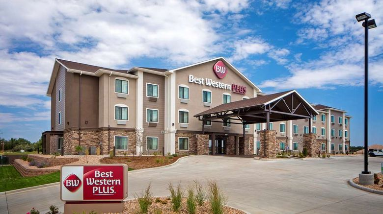 """Best Western Plus Overland Inn Exterior. Images powered by <a href=""""http://web.iceportal.com"""" target=""""_blank"""" rel=""""noopener"""">Ice Portal</a>."""
