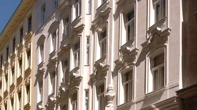 """Graben Hotel Exterior. Images powered by <a href=""""http://web.iceportal.com"""" target=""""_blank"""" rel=""""noopener"""">Ice Portal</a>."""