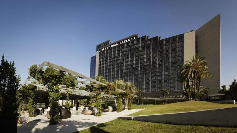 """Fairmont Rey Juan Carlos I Hotel Exterior. Images powered by <a href=""""http://web.iceportal.com"""" target=""""_blank"""" rel=""""noopener"""">Ice Portal</a>."""