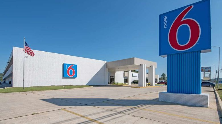"""Motel 6 Hamilton Exterior. Images powered by <a href=""""http://web.iceportal.com"""" target=""""_blank"""" rel=""""noopener"""">Ice Portal</a>."""