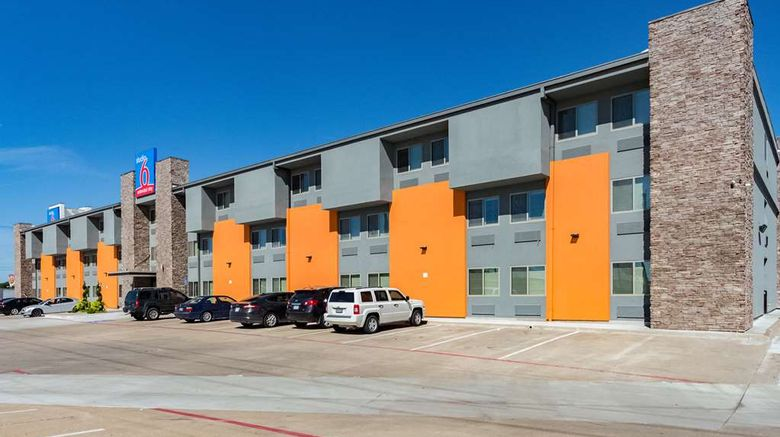 """Studio 6 Plano, TX Exterior. Images powered by <a href=""""http://web.iceportal.com"""" target=""""_blank"""" rel=""""noopener"""">Ice Portal</a>."""