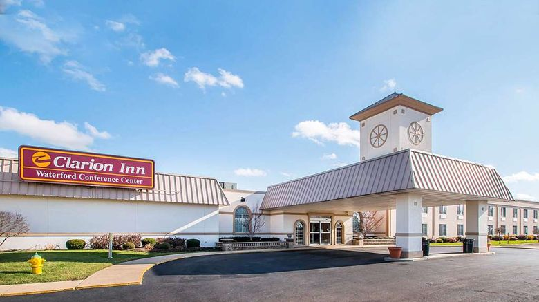 """Clarion Inn Elmhurst - Oakrbook Exterior. Images powered by <a href=""""http://web.iceportal.com"""" target=""""_blank"""" rel=""""noopener"""">Ice Portal</a>."""